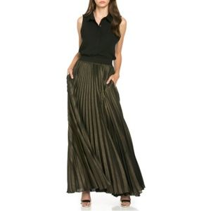Tov Holy Gold Pleated Pocket Maxi Skirt M